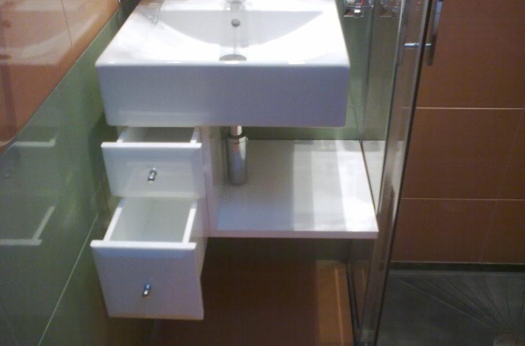 Armario bajo lavabo lacado en blanco
