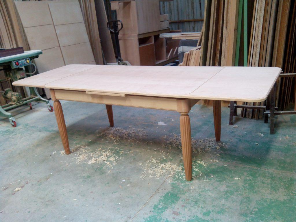 Fabricación de mesa de comedor de madera