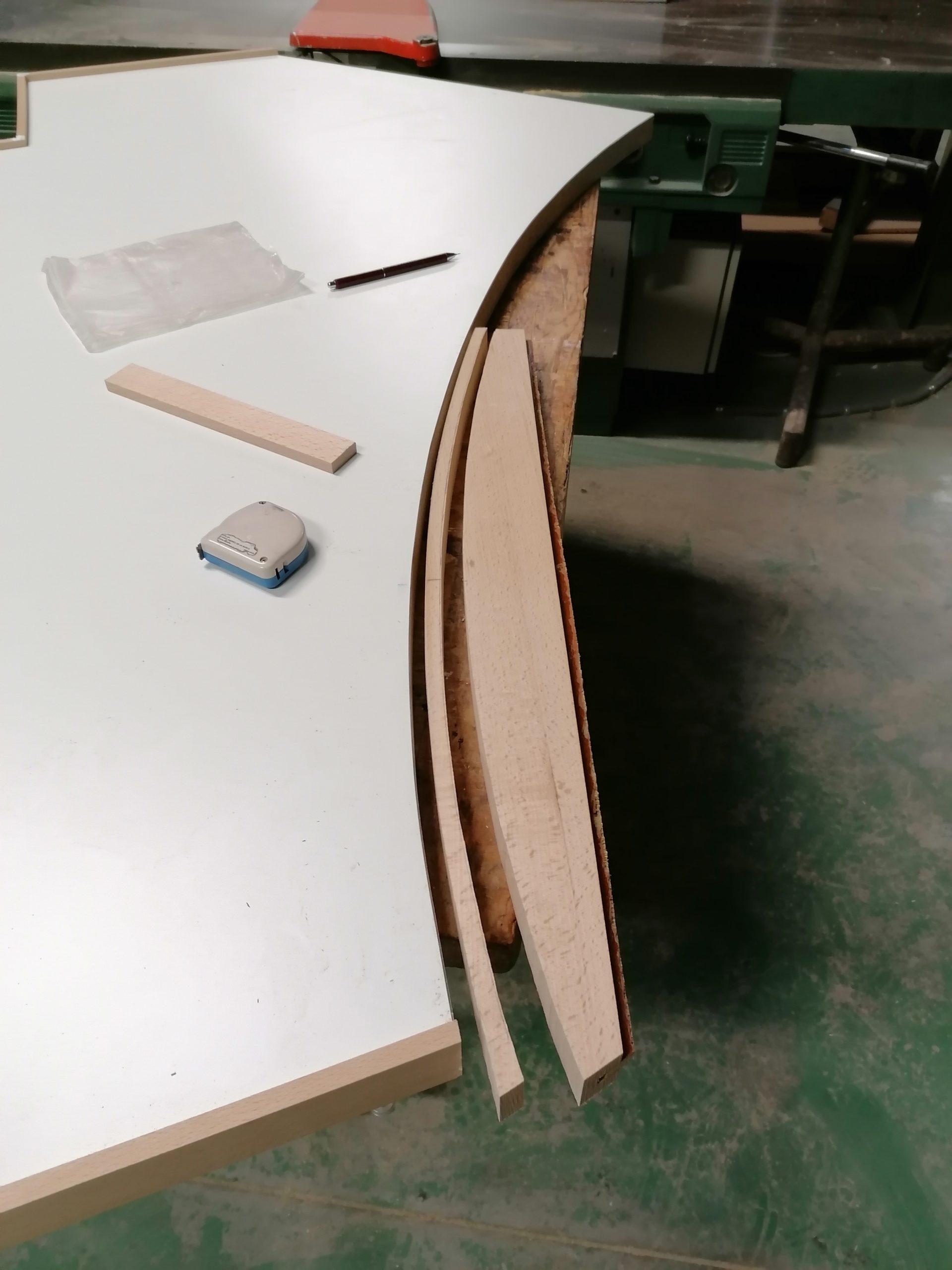 Canteado de tabla de mesa